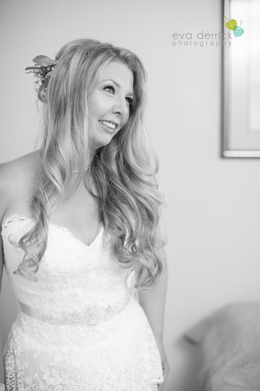 Burlington-Weddings-intimate-weddings-Blacktree-Restaurant-wedding-photo-by-eva-derrick-photography-014.JPG