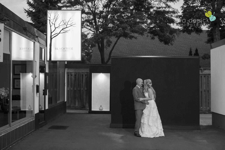 Burlington-Weddings-intimate-weddings-Blacktree-Restaurant-wedding-photo-by-eva-derrick-photography-043.JPG