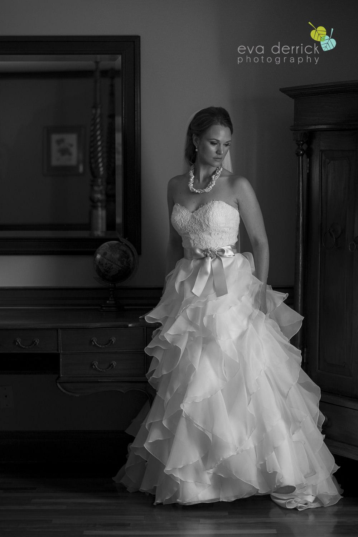 Pillar-and-Post-Weddings-Niagara-on-the-Lake-Vintage-Hotels-wedding-photo-by-eva-derrick-photography-015.JPG