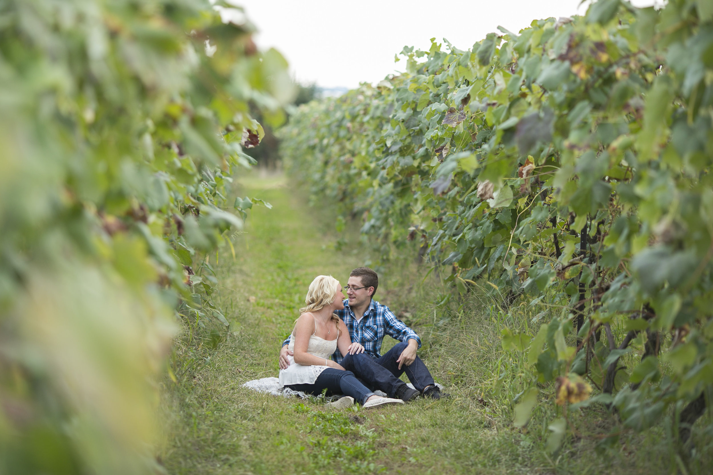 Niagara-on-the-Lake-Engagement-photos-by-Philosophy-Studios-007.JPG