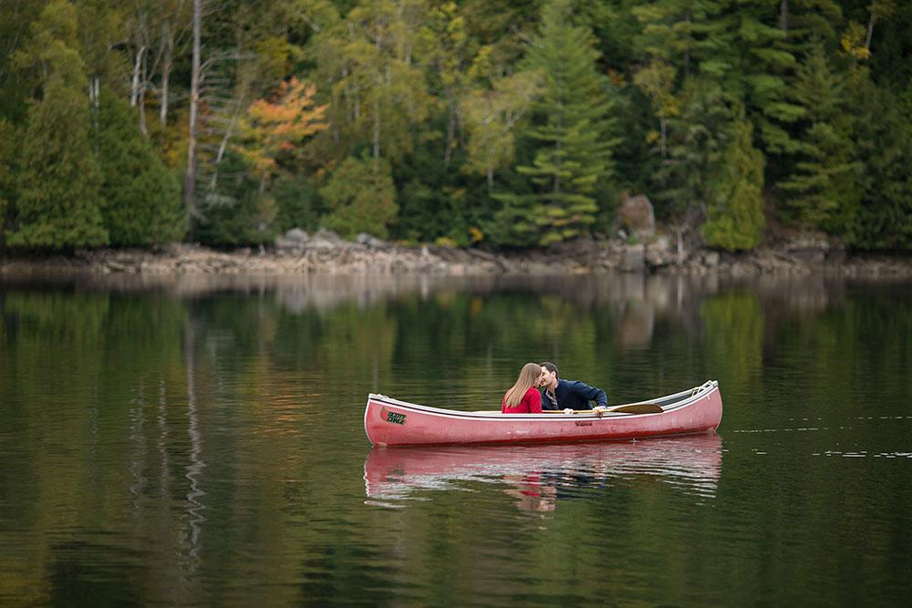 Canoe-engagement-session-Minden-forest-photo-by-philosophy-studios-eva-derrick-photography-009.jpg