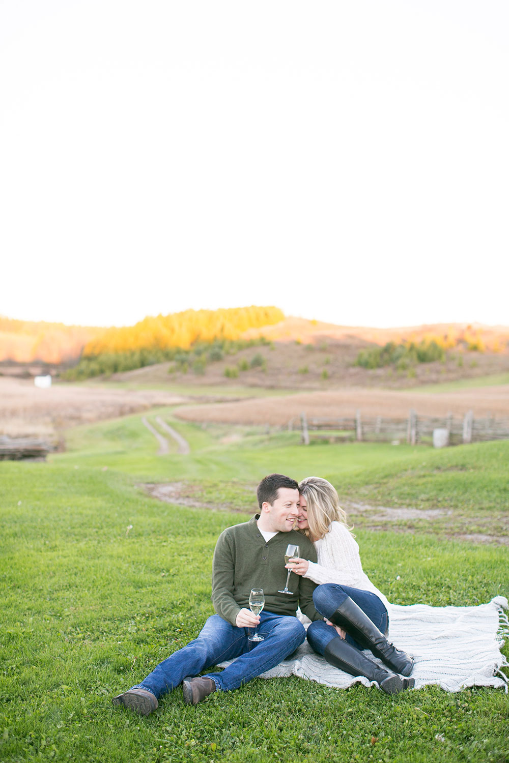 Albion-Hills-Conservation-Park-engagement-session-caledon-photo-by-philosophy-studios-eva-derrick-photography-023.jpg