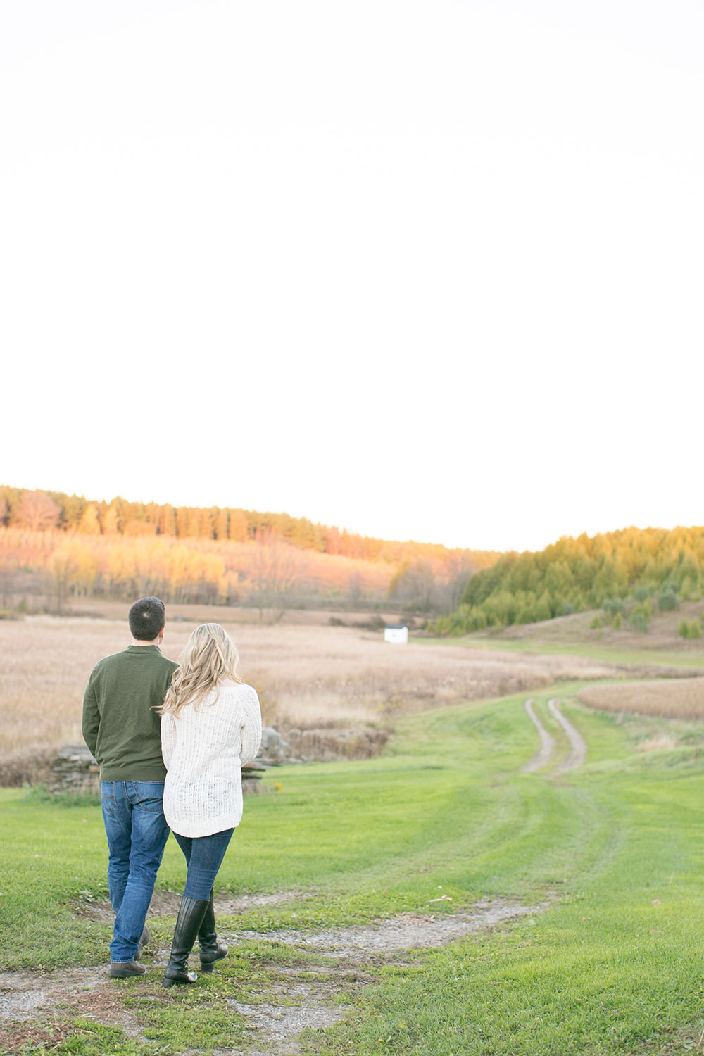 Albion-Hills-Conservation-Park-engagement-session-caledon-photo-by-philosophy-studios-eva-derrick-photography-024.jpg