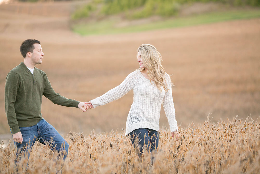 Albion-Hills-Conservation-Park-engagement-session-caledon-photo-by-philosophy-studios-eva-derrick-photography-030.jpg