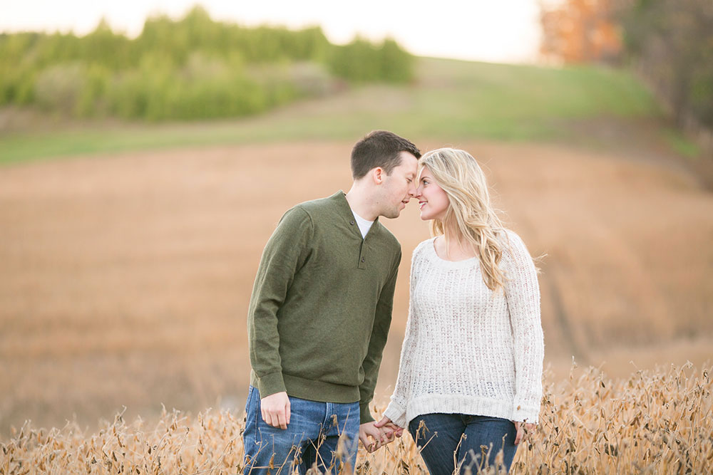 Albion-Hills-Conservation-Park-engagement-session-caledon-photo-by-philosophy-studios-eva-derrick-photography-032.jpg