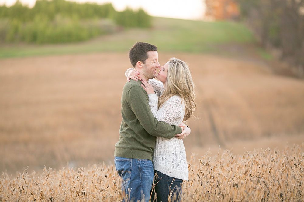 Albion-Hills-Conservation-Park-engagement-session-caledon-photo-by-philosophy-studios-eva-derrick-photography-033.jpg