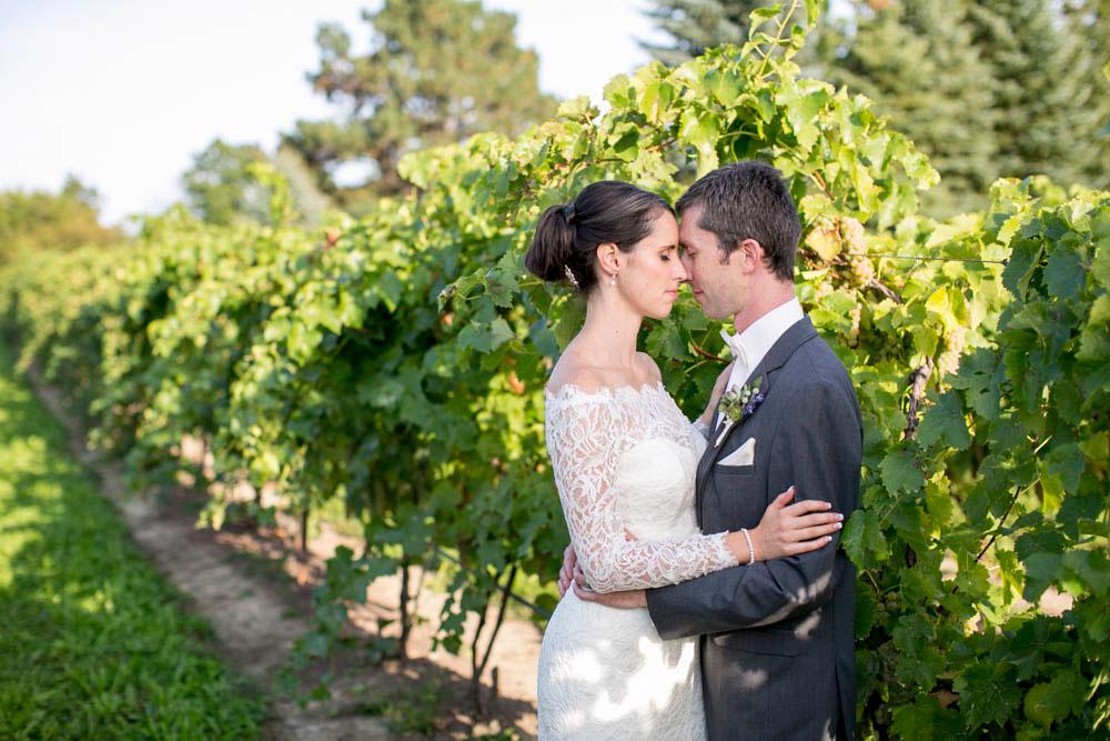 Hernder-Estate-Wines-wedding-Niagara-wedding-photographers-Philosophy-Studios-Eva-Derrick-Photography-0020.JPG