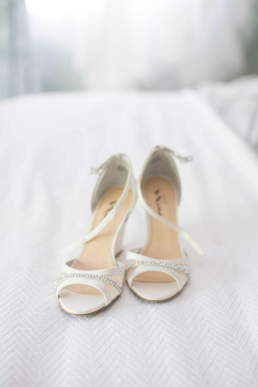 Beamer-Falls-Manor-wedding-Grimsby-wedding-photographers-Philosophy-Studios-Eva-Derrick-Photography-0004.JPG