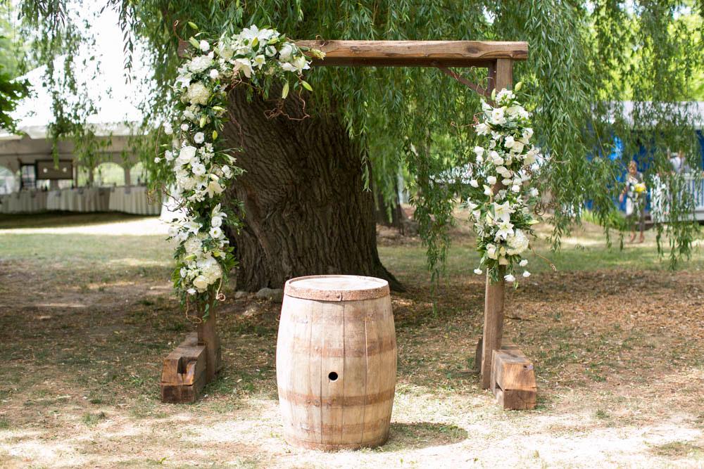 Beamer-Falls-Manor-wedding-Grimsby-wedding-photographers-Philosophy-Studios-Eva-Derrick-Photography-0020.JPG