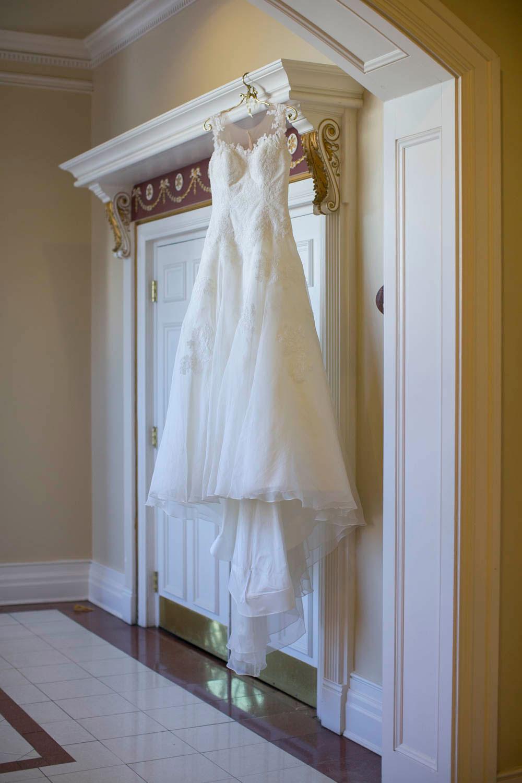 Queens-Landing-wedding-Vintage-Hotels-wedding-Niagara-on-the-Lake-wedding-photographers-Philosophy-Studios-Eva-Derrick-Photography-0001.JPG