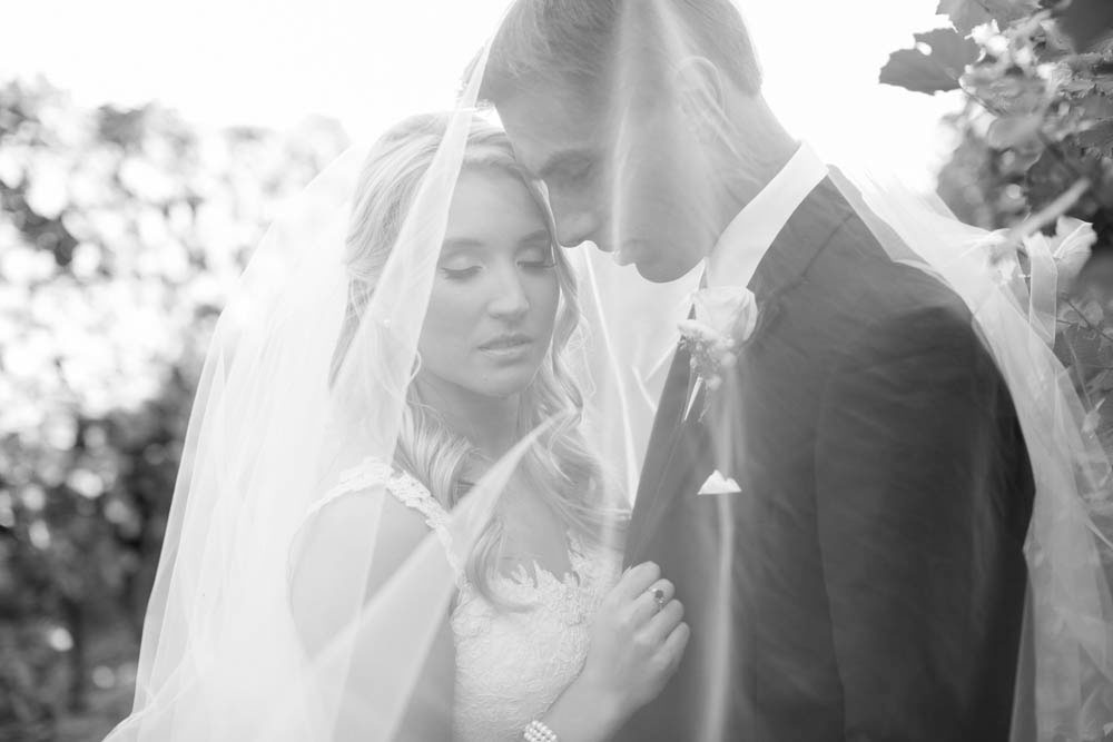 Queens-Landing-wedding-Vintage-Hotels-wedding-Niagara-on-the-Lake-wedding-photographers-Philosophy-Studios-Eva-Derrick-Photography-0037.JPG