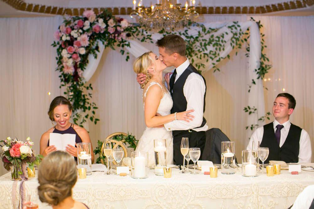 Queens-Landing-wedding-Vintage-Hotels-wedding-Niagara-on-the-Lake-wedding-photographers-Philosophy-Studios-Eva-Derrick-Photography-0050.JPG