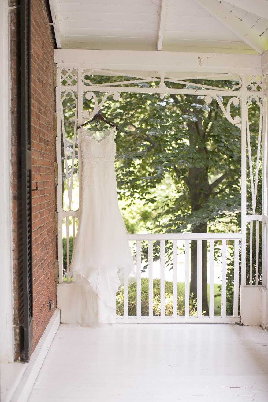 Kurtz-Orchards-wedding-Gracewood-Estate-Oast-House-Niagara-on-the-Lake-wedding-photographers-Philosophy-Studios-Eva-Derrick-Photography-0008.JPG