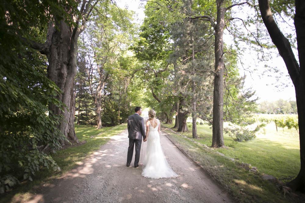 Kurtz-Orchards-wedding-Gracewood-Estate-Oast-House-Niagara-on-the-Lake-wedding-photographers-Philosophy-Studios-Eva-Derrick-Photography-0028.JPG