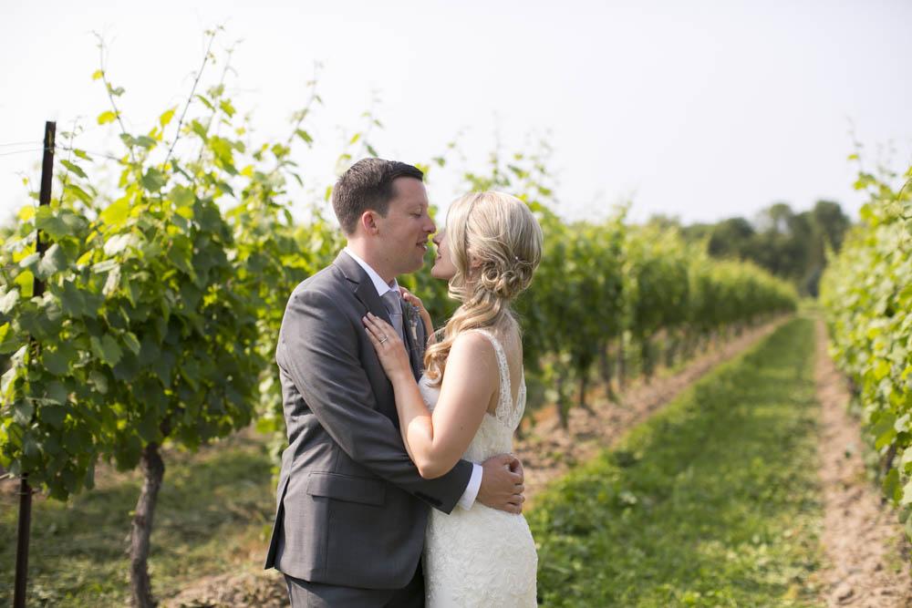 Kurtz-Orchards-wedding-Gracewood-Estate-Oast-House-Niagara-on-the-Lake-wedding-photographers-Philosophy-Studios-Eva-Derrick-Photography-0032.JPG
