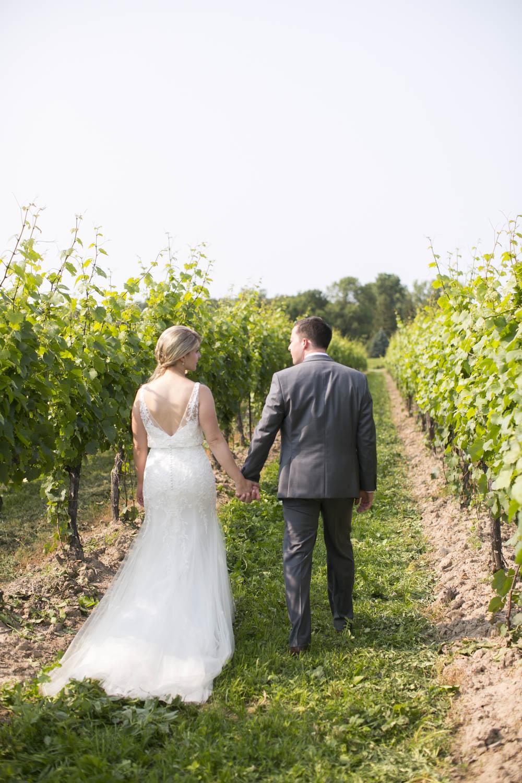 Kurtz-Orchards-wedding-Gracewood-Estate-Oast-House-Niagara-on-the-Lake-wedding-photographers-Philosophy-Studios-Eva-Derrick-Photography-0031.JPG