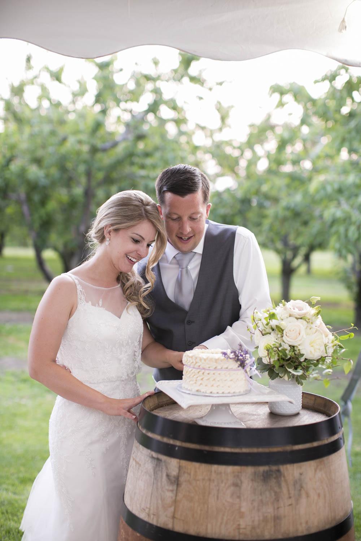 Kurtz-Orchards-wedding-Gracewood-Estate-Oast-House-Niagara-on-the-Lake-wedding-photographers-Philosophy-Studios-Eva-Derrick-Photography-0050.JPG