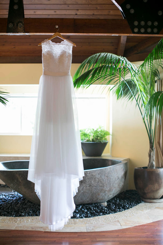 Hawaii-wedding-photographers-destination-Weddings-Oahu-photographers-event-photographers-Philosophy-Studios-Eva-Derrick-Photography-0005.JPG