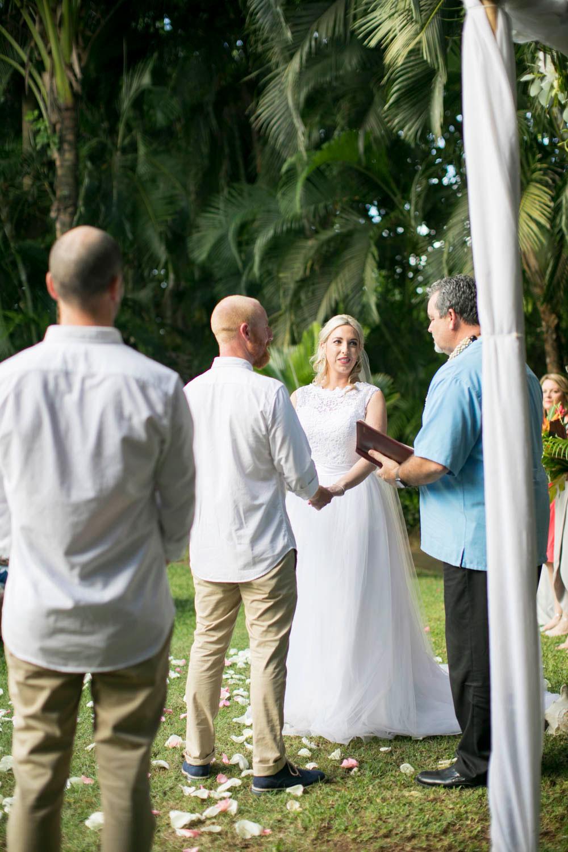 Hawaii-wedding-photographers-destination-Weddings-Oahu-photographers-event-photographers-Philosophy-Studios-Eva-Derrick-Photography-0025.JPG