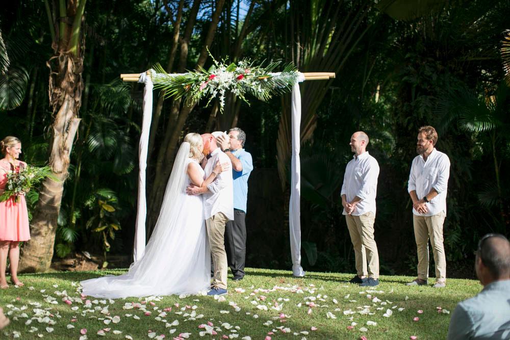Hawaii-wedding-photographers-destination-Weddings-Oahu-photographers-event-photographers-Philosophy-Studios-Eva-Derrick-Photography-0028.JPG