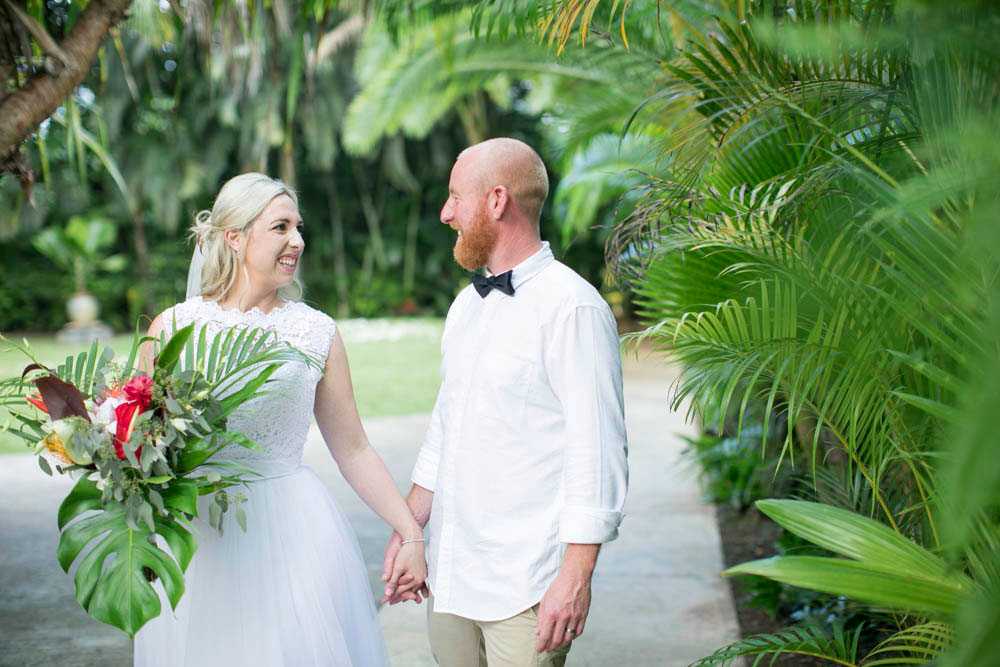 Hawaii-wedding-photographers-destination-Weddings-Oahu-photographers-event-photographers-Philosophy-Studios-Eva-Derrick-Photography-0034.JPG