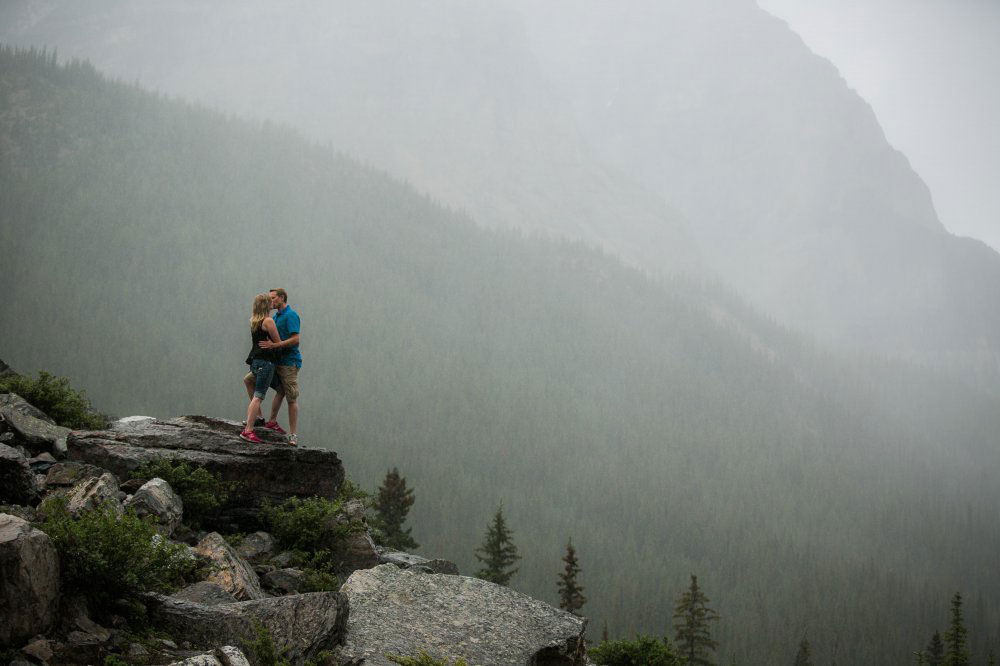 Engagement-Banff-National-Park-philosophy-studios-Joel-wedding-photographer-014.jpg