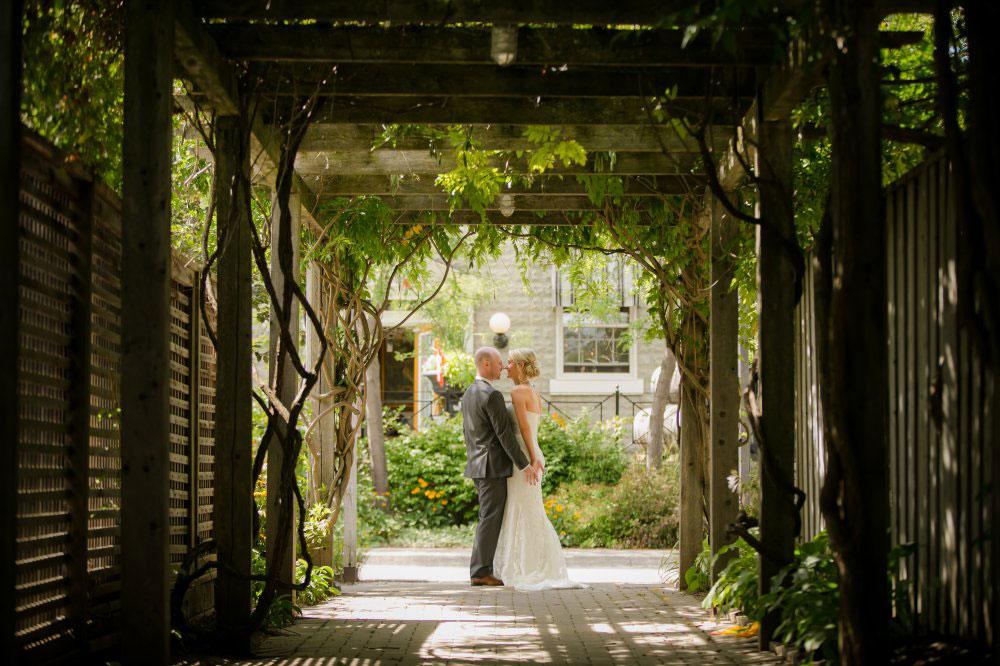 Wedding-Inn-on-the-Twenty-Jordan-Village-philosophy-studios-Joel-wedding-photographer-004.jpg