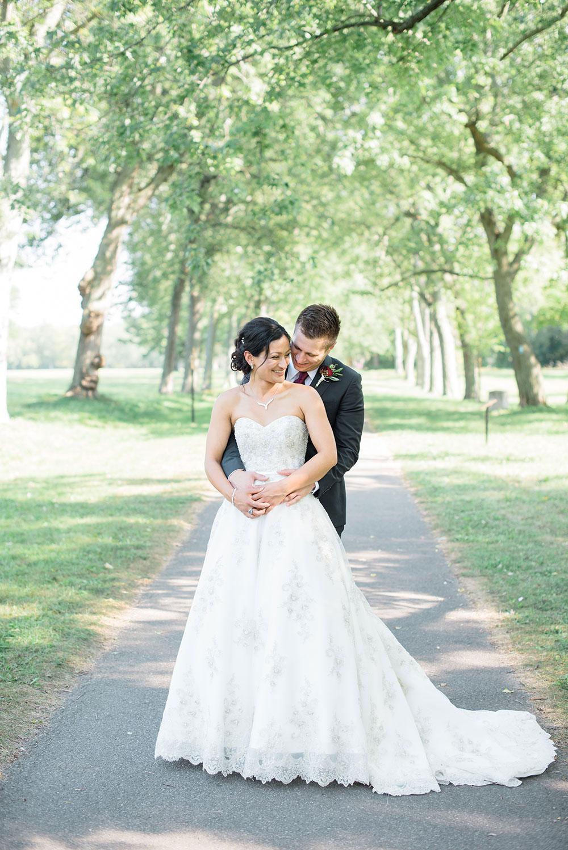 Wedding-Butlers-Barracks-philosophy-studios-Sarah-Niagara-on-the-Lake-wedding-photographer-008.jpg