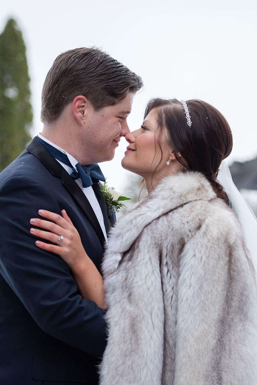Winter-Wedding-Niagara-Falls-philosophy-studios-Sarah-Niagara-on-the-Lake-wedding-photographer-007.jpg