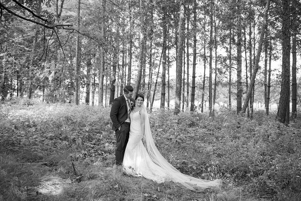 Kurtz-Orchards-wedding-photographer-black-and-white-philosophy-studios-Meg-wedding-photographer-003.JPG