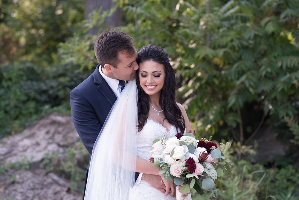 Niagara-destination-wedding-photographer-bride-and-groom-philosophy-studios-Meg-wedding-photographer-007.JPG
