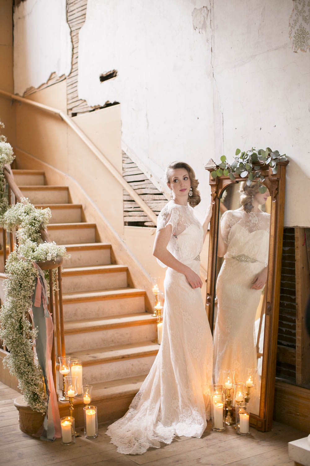 Elegant-Wedding-Magazine-Wedding-Feature-Vintage-Reflections-Editorial-photographers-Willowbank-Estate-photo-by-eva-derrick-photography-philosophy-studios-007.JPG