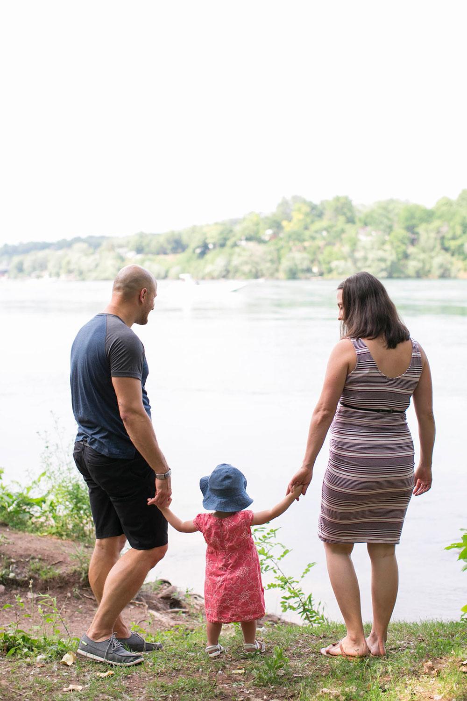 Family-session-niagara-maternity-session-doumentry-lifestle-session-niagara-photo-by-philosophy-studios-0010.jpg