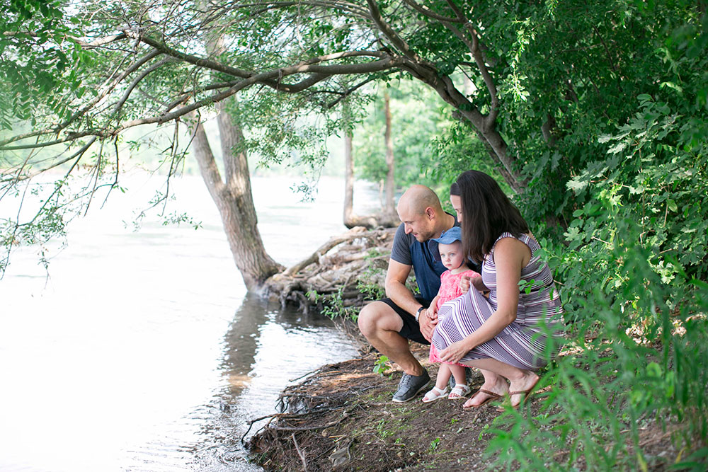 Family-session-niagara-maternity-session-doumentry-lifestle-session-niagara-photo-by-philosophy-studios-0011.jpg