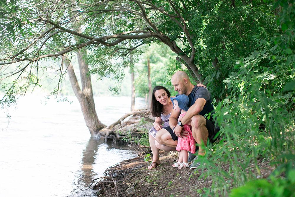 Family-session-niagara-maternity-session-doumentry-lifestle-session-niagara-photo-by-philosophy-studios-0012.jpg