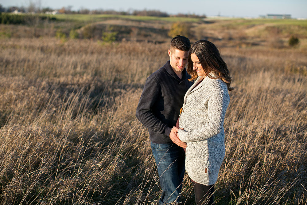 Winter-maternity-session-niagara-maternity-photographer-tree-farm-photos-photo-by-philosophy-studios-0017.jpg
