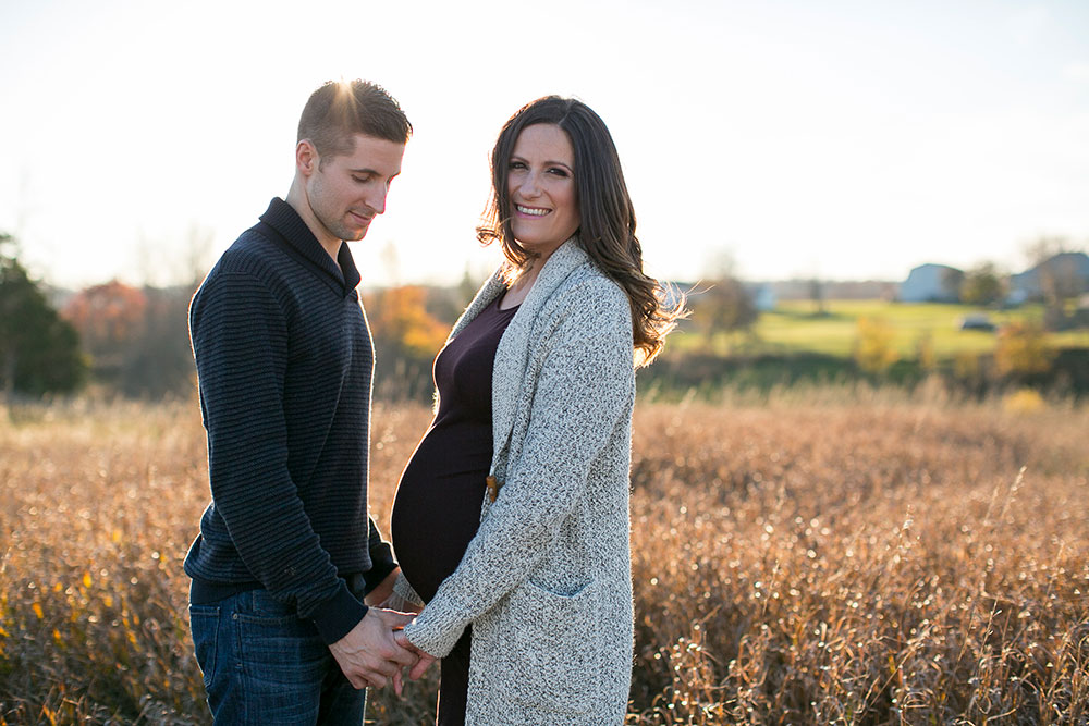 Winter-maternity-session-niagara-maternity-photographer-tree-farm-photos-photo-by-philosophy-studios-0018.jpg