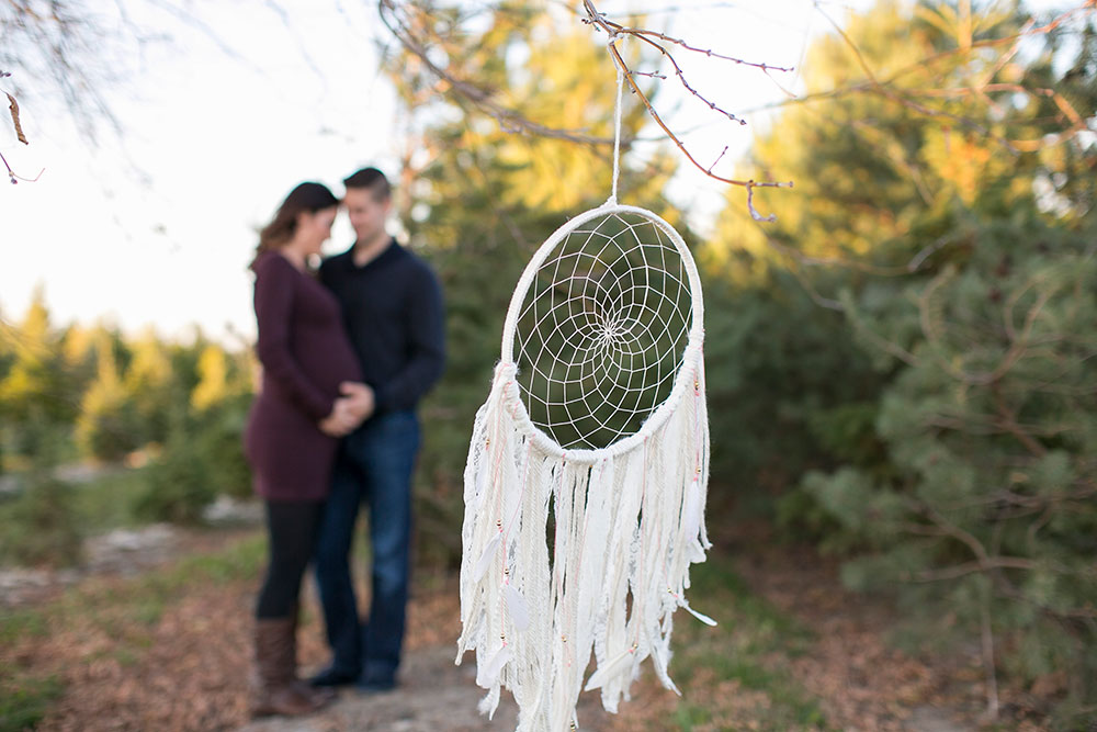 Winter-maternity-session-niagara-maternity-photographer-tree-farm-photos-photo-by-philosophy-studios-0021.jpg