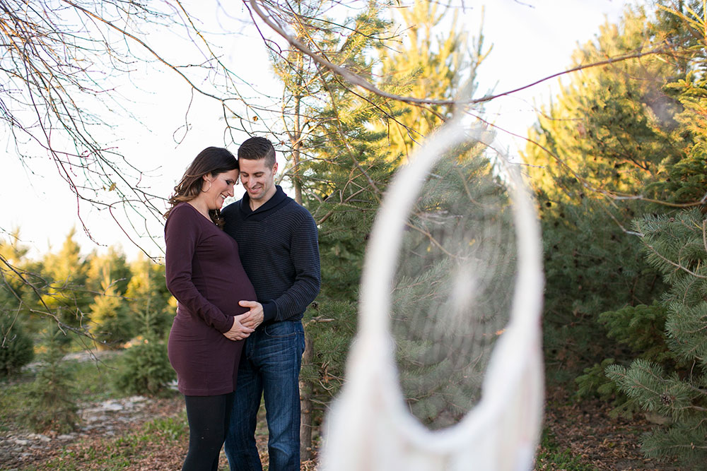Winter-maternity-session-niagara-maternity-photographer-tree-farm-photos-photo-by-philosophy-studios-0022.jpg