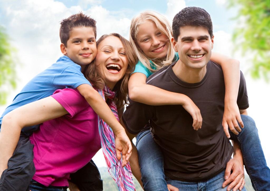Family-Wallpaper-Free-1024x724.jpg