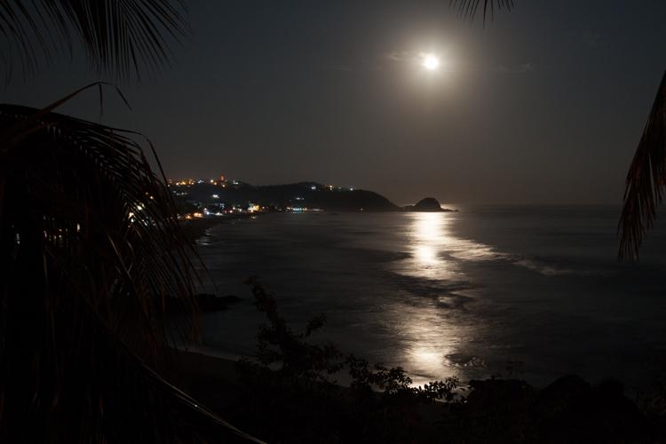 Full moon over Zipolite