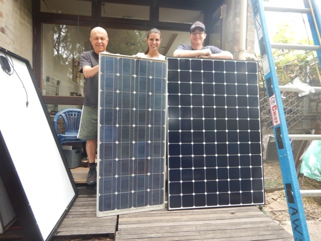 Neighbours, Graeme, Thais and Jake, with a 1996 panel (120 watts) on the left, which was replaced by a 2015 panel (327 watts)
