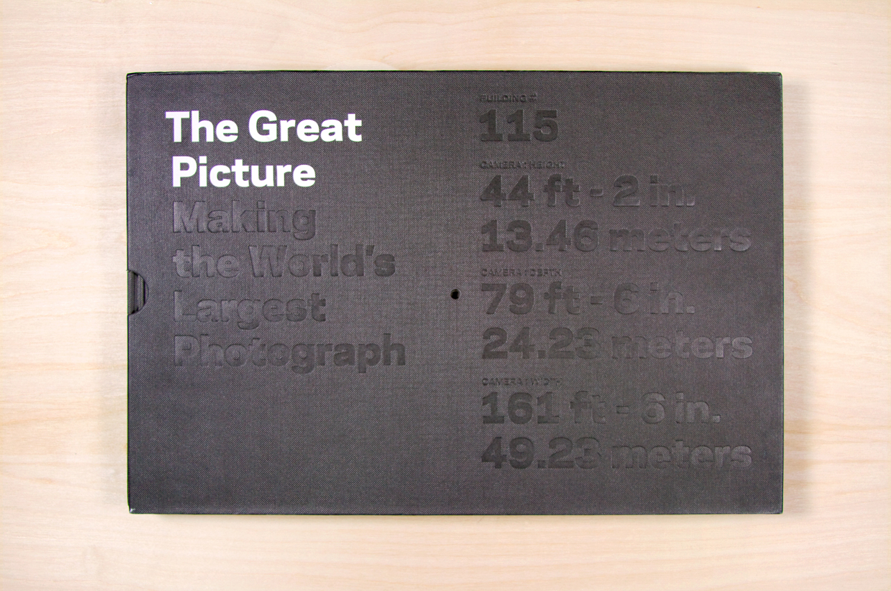 Slipcase - blind embossed with the dimensions of the camera