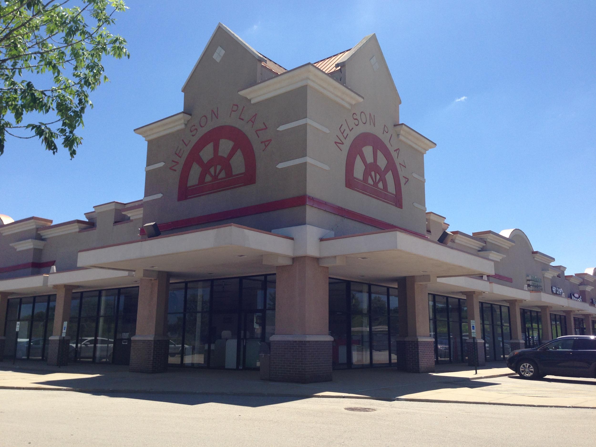 Nelson Plaza - New Lenox