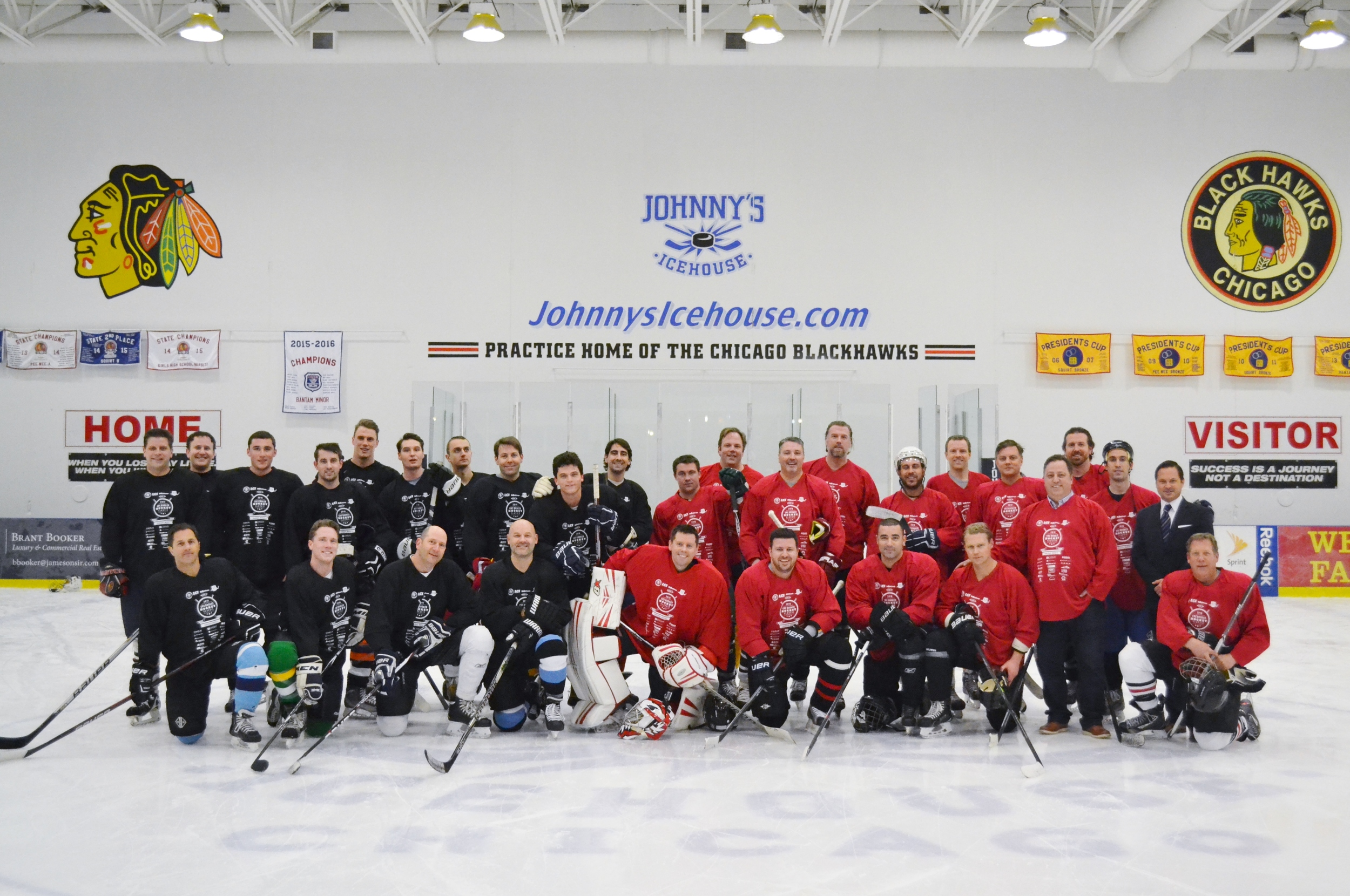 The 2016 CRE Broker Hockey Classic group photo.