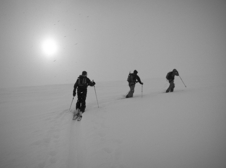 Hiking through fog to the Tete Blanche.
