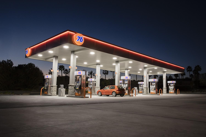 Jamie_Kripke_GasStations-11.jpg