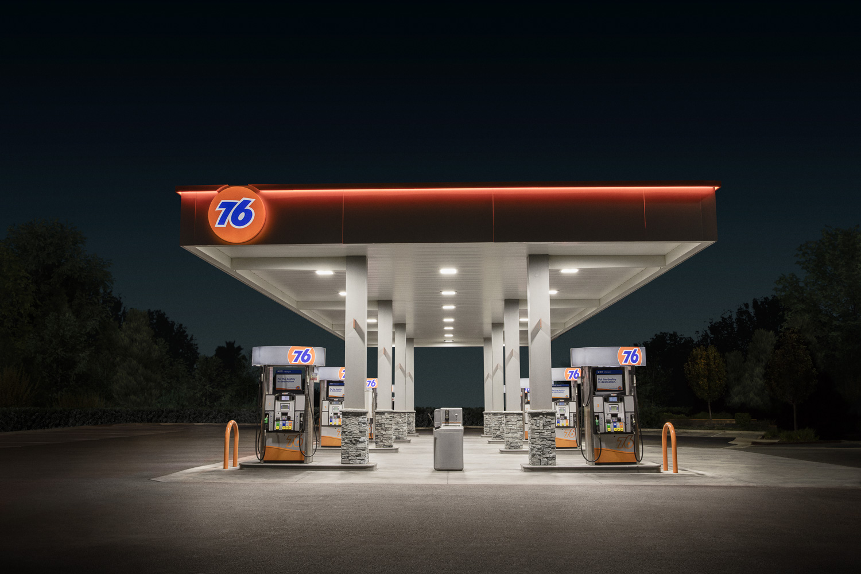 Jamie_Kripke_GasStations-12.jpg