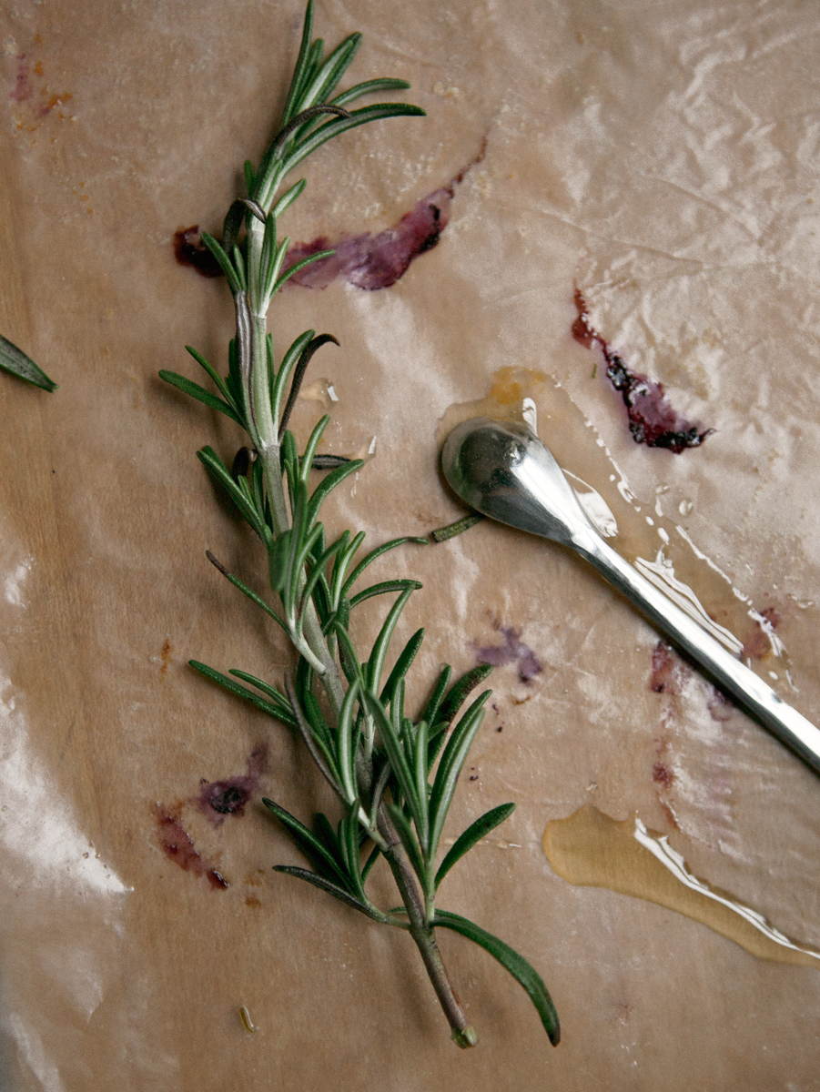 blueberry-rosemary-biscuits_jg__0077.jpg