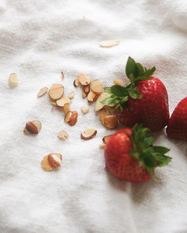 Chilled-Strawberry-Oatmeal__0057.jpg